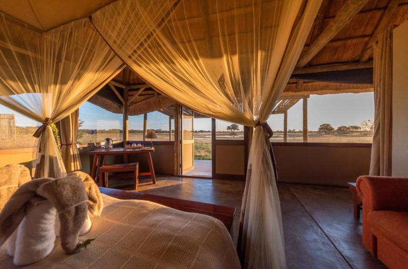 Douceur du soir en Afrique australe, Camp Hwange