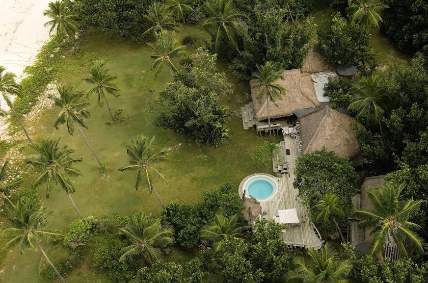 Seychelles   north island   vue aerienne slideshow