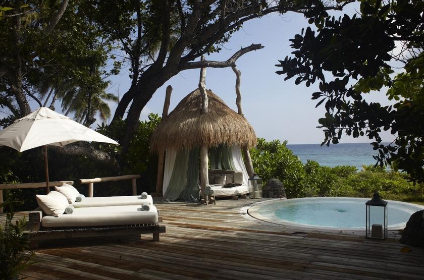 Seychelles   north island   piscine privee   2 slideshow