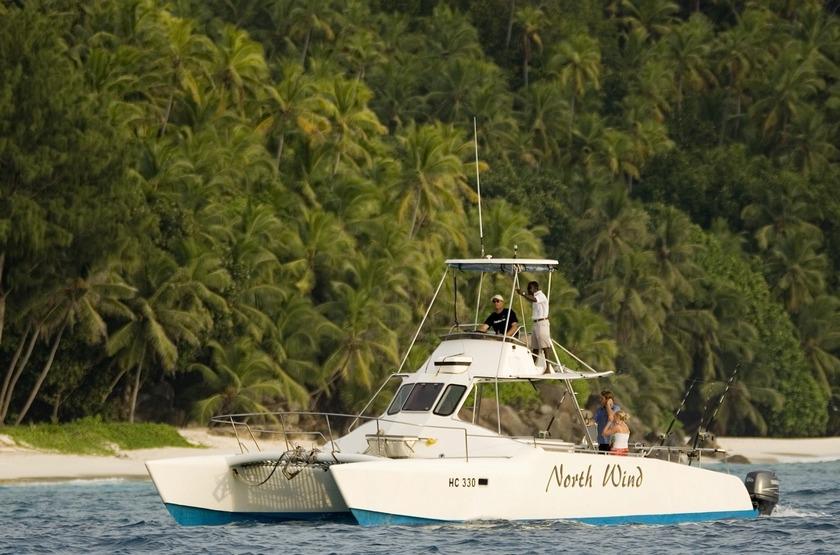 Seychelles   north island   peche slideshow
