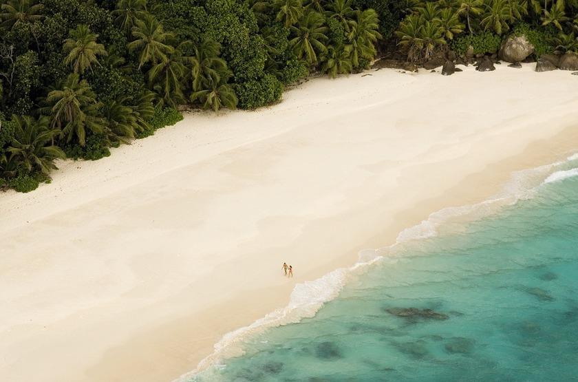 Seychelles   north island   plage   deserte slideshow