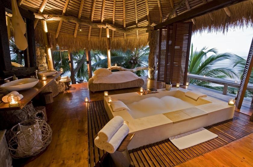 Seychelles   north island   salle de bain slideshow