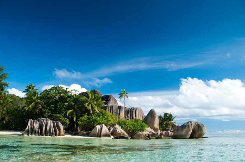 Seychelles   la digue   anse source d argent  4  slideshow