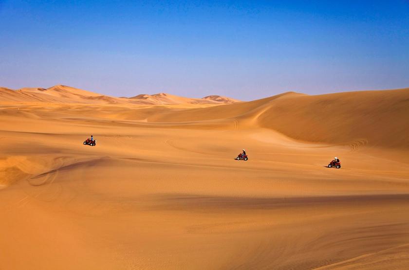Quad dans le désert, Swakopmund, Namibie