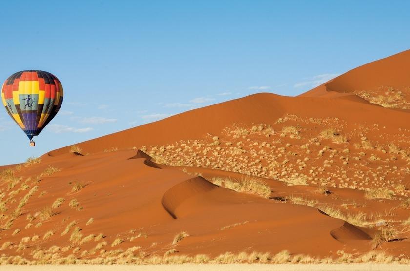 Survol des dunes de Sossusvlei en montgolfière, Namibie