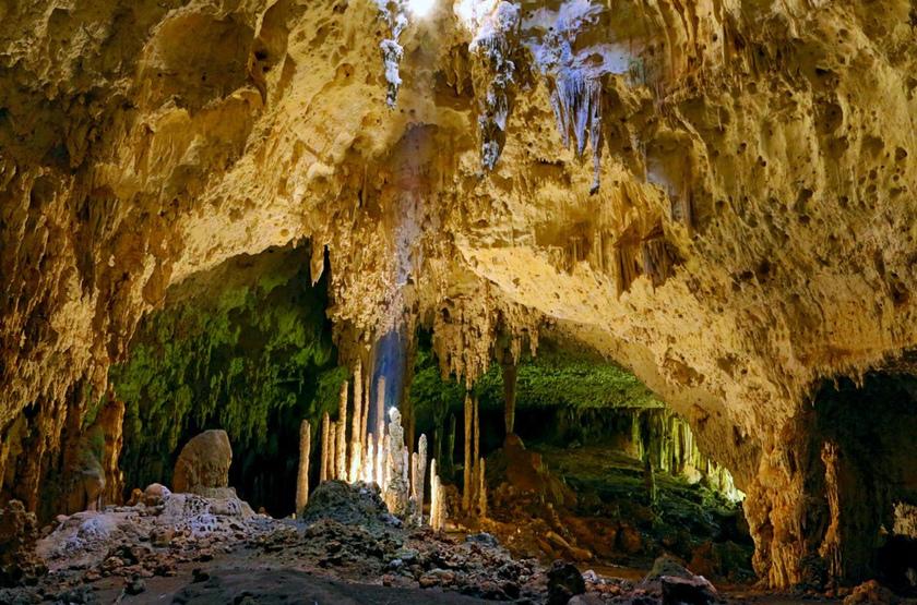 Grottes anjohibe slideshow
