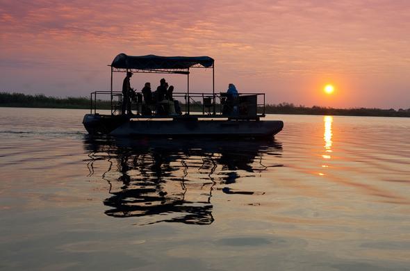 Safari en bateau sur le Zambèze, safari à pied à Hwange, voyage Afrique