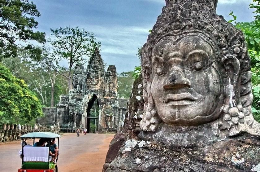 Angkor en moto remorque, Cambodge