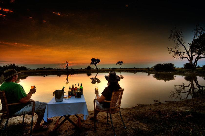 Ap&ritif dans l'Okavango, Botswana