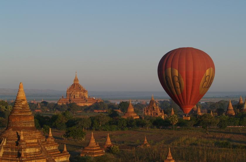 Survol en montgolfière de Bagan, Birmanie