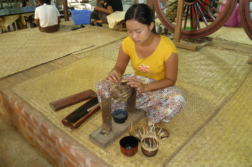 Artisanat de laque à Bagan, Birmanie