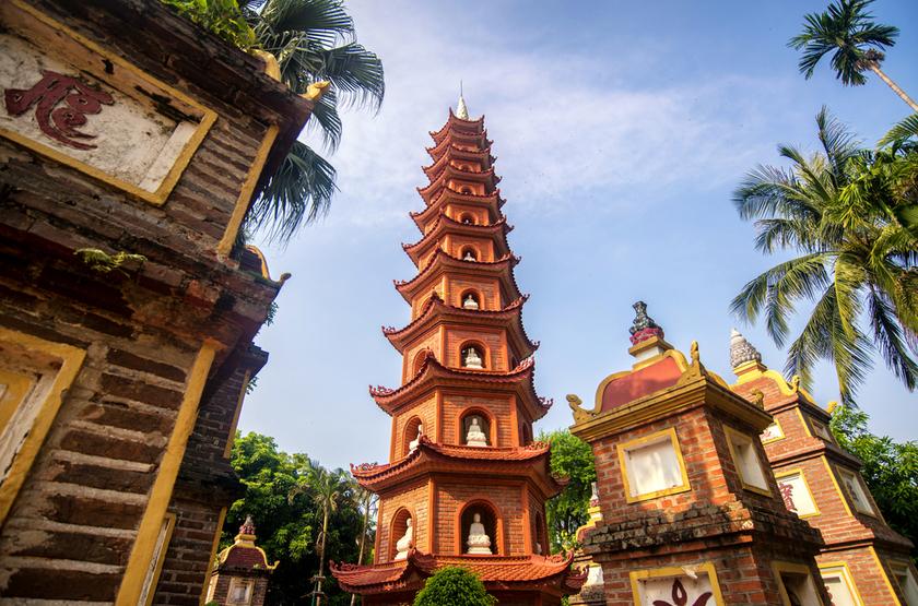 Temple Taran Quoc, Hanoi, Vietnam