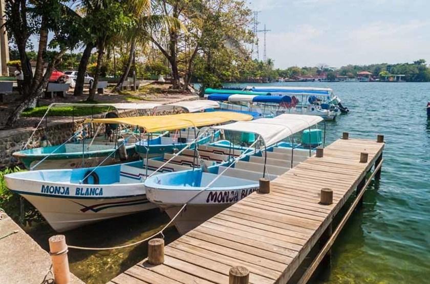 Bords du fleuve Rio Dulce, Guatemala