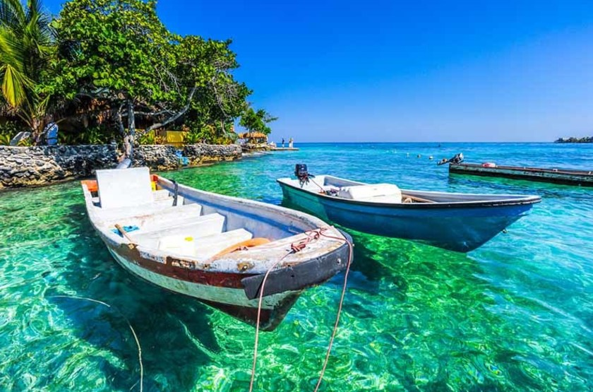 Bateau dans les îles Rosario, Colombie