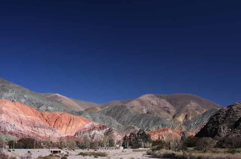 Montagnes surplombant Purmamarca, Argentine