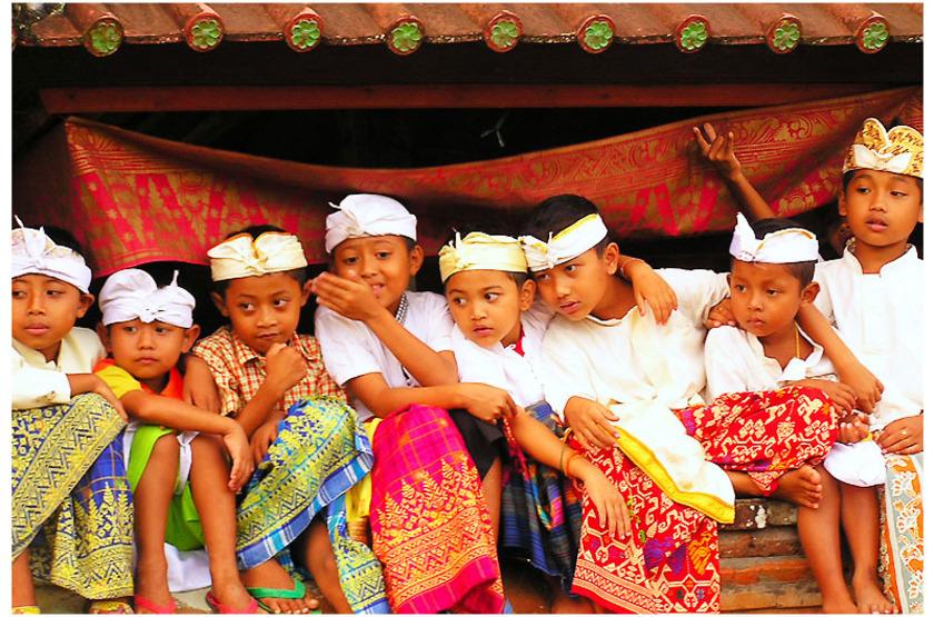 Enfants balinais, Indonésie