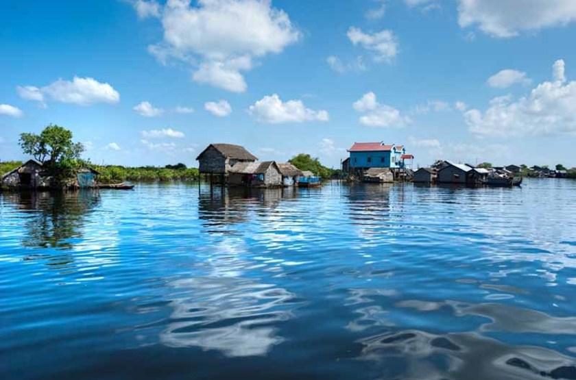 Maison sur pilotis, lac Tonle, Cambodge