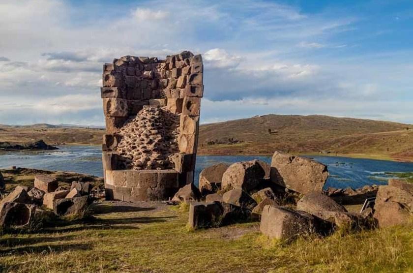 Ruine d'une tour funéraire, Sillustani, Pérou