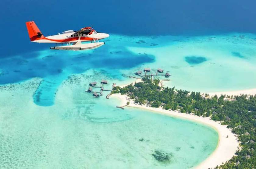 Survol des Maldives en hydravion