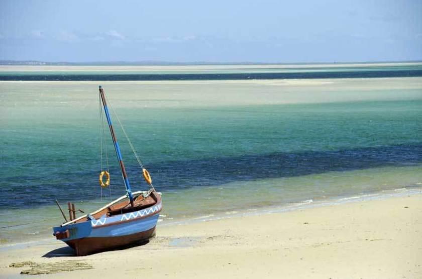 Dhow sur une plage du Mozambique