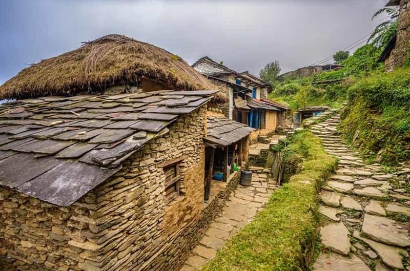 Village de Dhampus dans les montagnes de l'Himalaya, Nepal