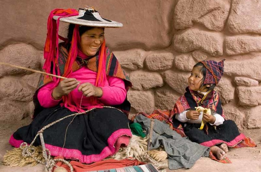 Femme en costume traditionnel, Cusco, Pérou