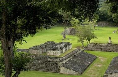 Honduras : archéologie maya, nature luxuriante et mer turquoise, voyage Amériques