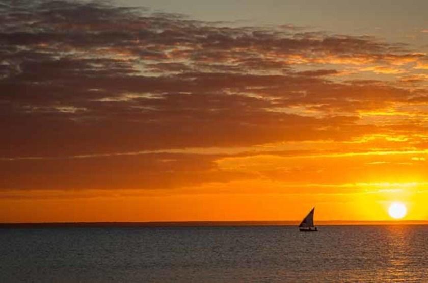 Coucher de soleil sur l'île de Benguerra, Mozambique