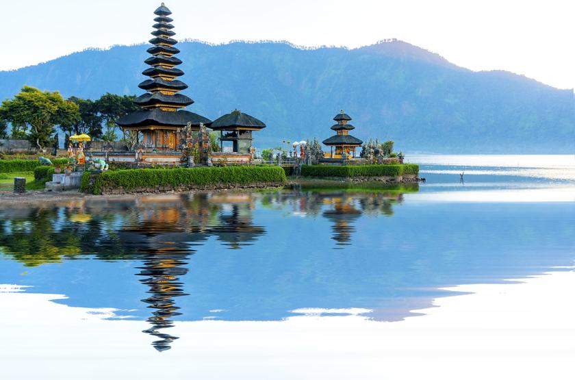 sur le lac Batran, Bali, Indonesie