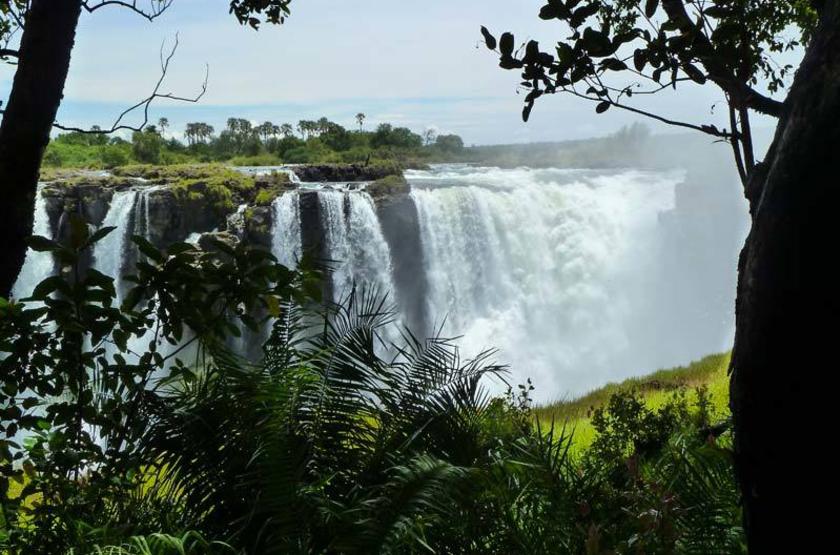 Zimbabwe - Victoria Falls - Chutes Victoria ©photo Franck Pelé