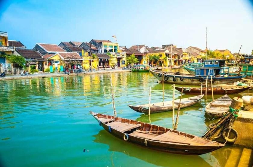 Bateaux traditionnels à Hoian, Vietnam