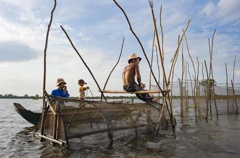 Pécheurs du Lac Tonle, Cambodge