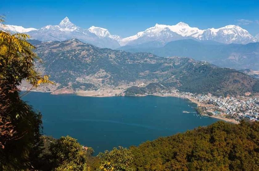 Montagnes de l'Anapurna et lac Phewa, Nepal