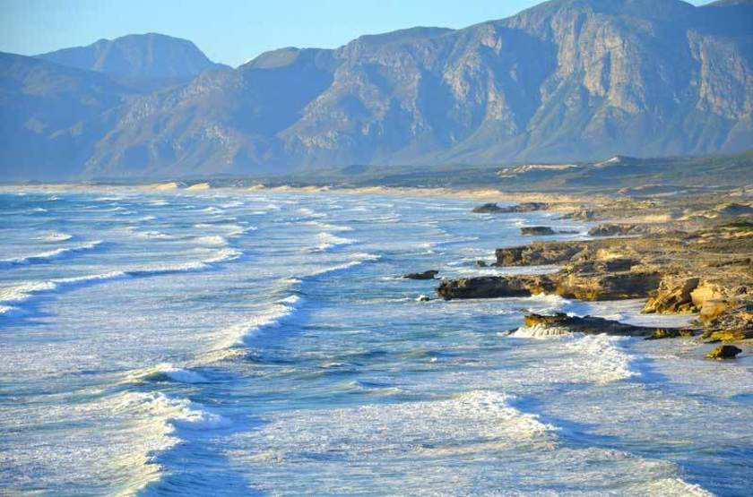 Côte près d'Hermanus, Afrique du Sud